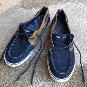 Gently worn Nautica shoes